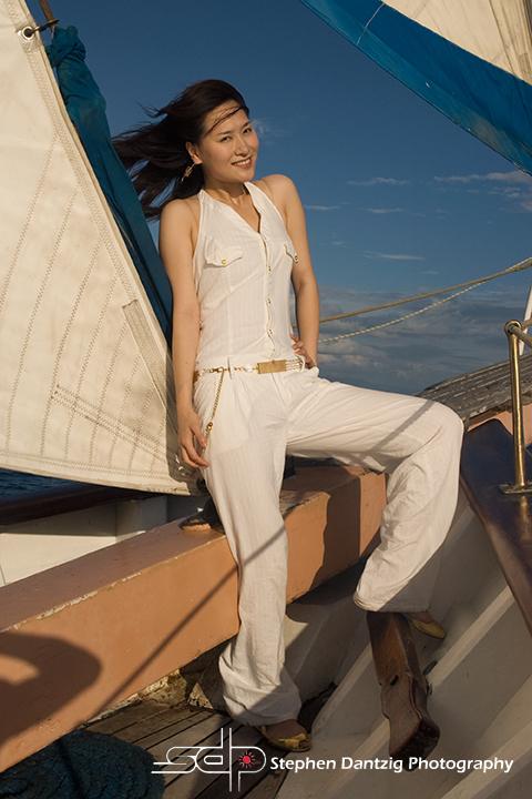 Athena leaning on mast leg up FL 10